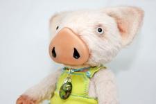 (27.02.2019 toys, handmade) Поросенок в стиле тедди - Вискоза, 5 шплинтовых креплений, металлический гранулят и опилки. Стеклянные глазки.