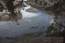 (06.05.2013 © ATola) Окрестности Ревуна - Вниз по течению